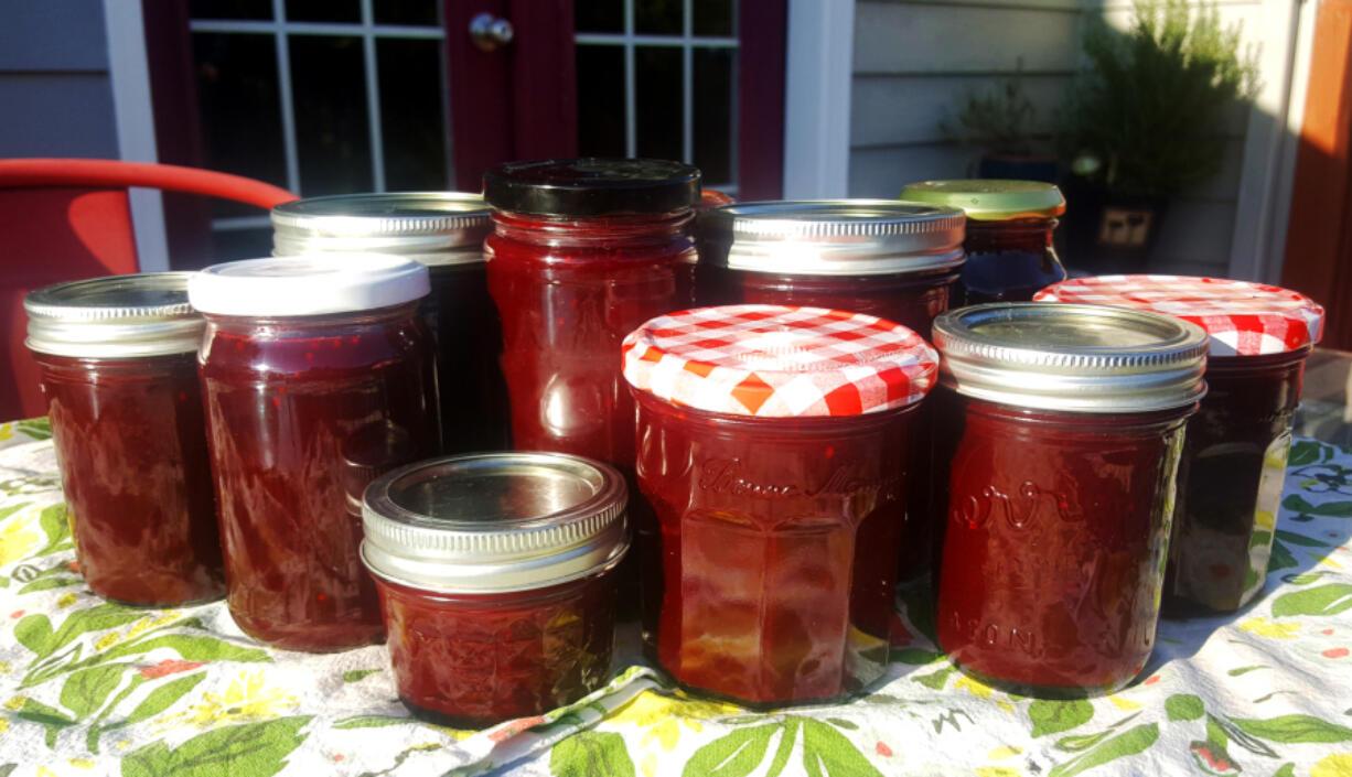 The blackberry jam looks so pretty in jars, the preserved taste of summer.