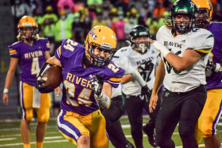 Woodland Columbia River football photo gallery